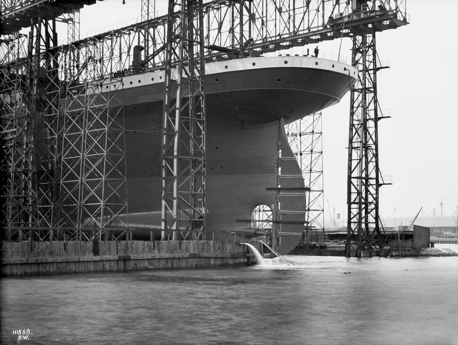 Stern view of the Titanic during its launch.