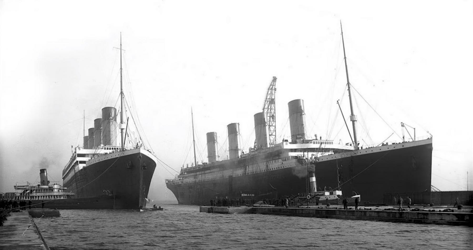 The twins Olympic (L) and Titanic (R). This is the last photo of the two vessels together.