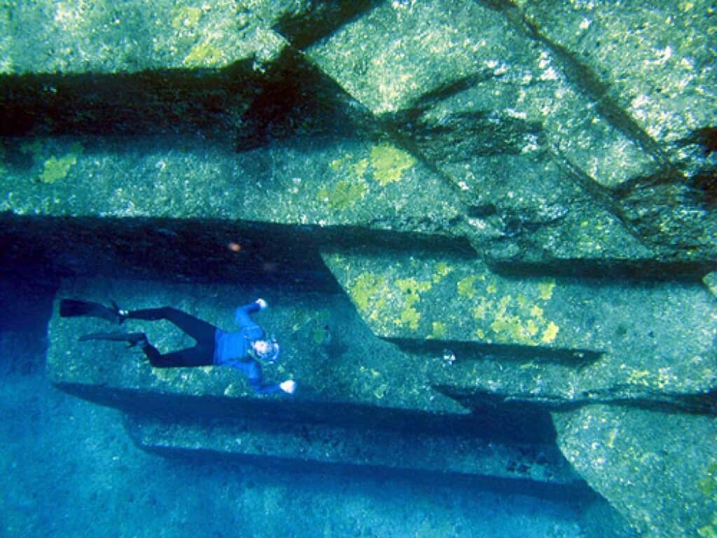 Are these actually submerged Yonaguni Ruins or natural formations?