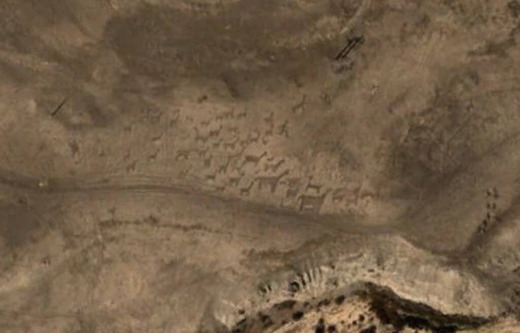 Mysterious Places on Google Earth. Geoglyphs at Tiliviche