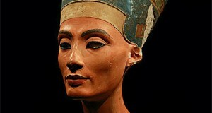 Bust of queen Nefertiti in the Neues Museum, Berlin