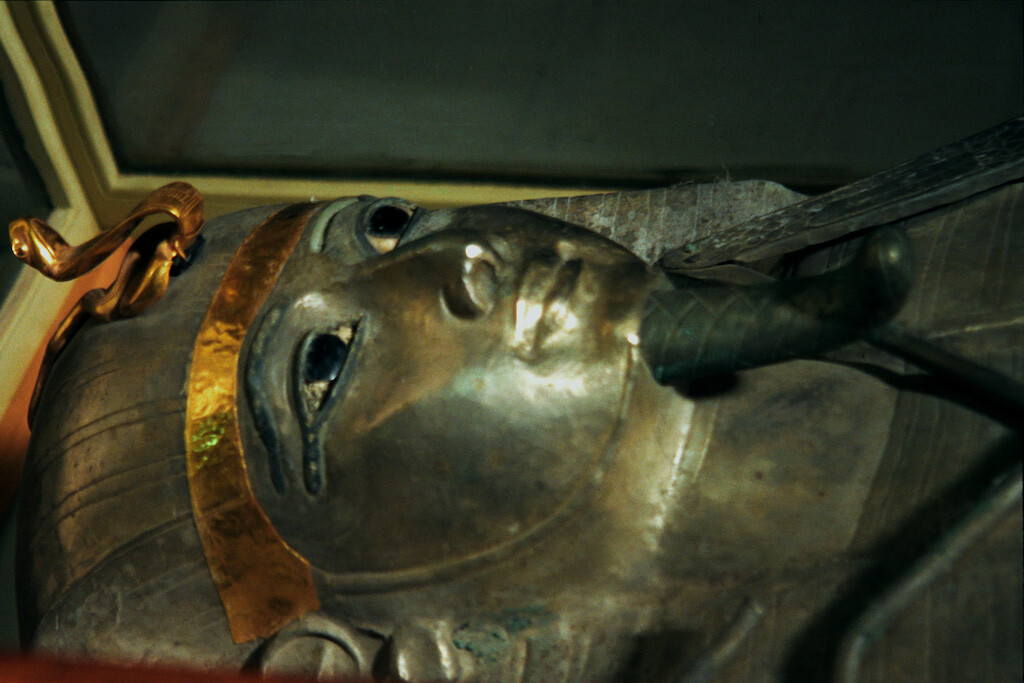 The silver coffin of Psusennes I, Egyptian Museum. Image: Jerzy Strzelecki