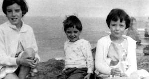The Beaumont children. Siblings Jane, Grant and Arnna Beaumon.  Source: Wiki