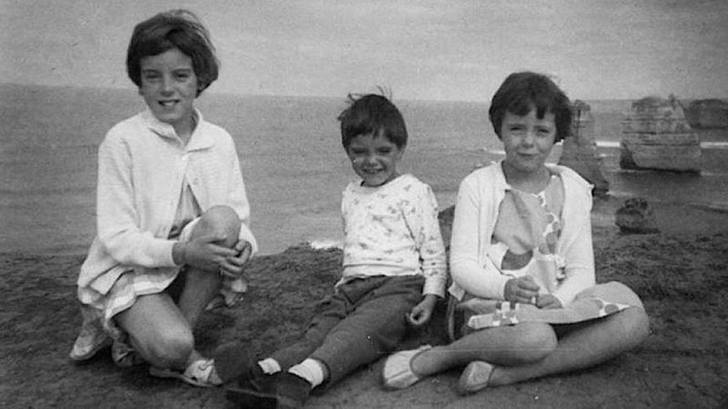 The Beaumont children (L-R) Jane, Grant, and Arnna. Source: Wiki