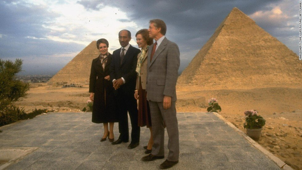 President Jimmy Carter, Egyptian President Anwar Sadat and their wives. (Photo by Sahm Doherty/Time Life Pictures/Getty Images)