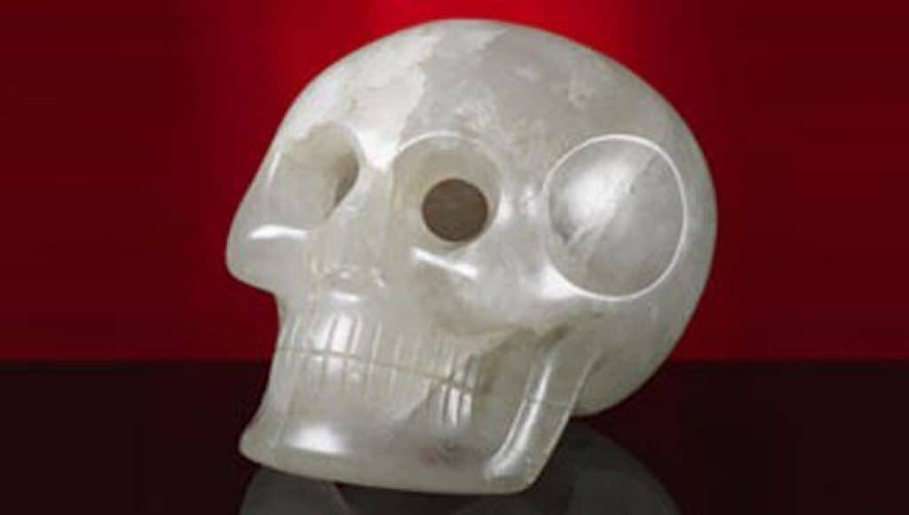 Quartz skull at the Smithsonian Museum of Natural History. Source: Smithsonian Magazine, Cheryl Carlin.