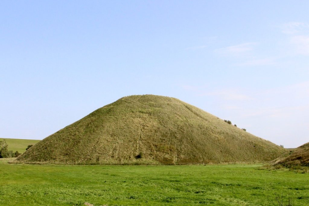 Silbury Hill. Photo: Historic Mysteries.