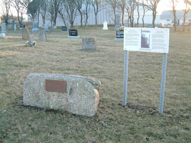 The memorial to Jerome located at Meteghan Cemetery. Image: Lise Robichaud, 2006.