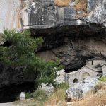 davelis cave