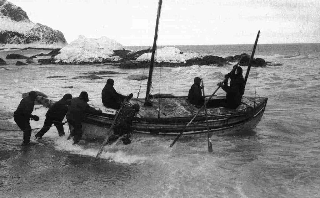 Launching of the James Caird from Elephant Island, 24 April 1916.