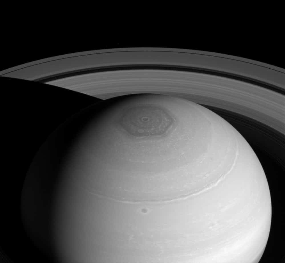 Are wind patterns responsible for this hexagon on Saturn's north pole? Image credit: NASA/JPL-Caltech/Space Science Institute