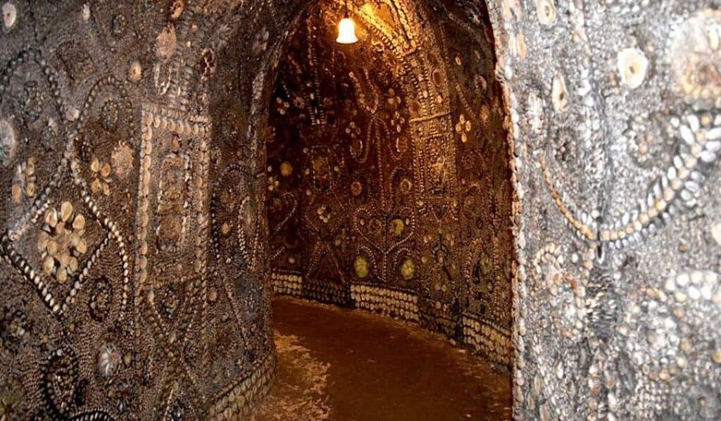 Passage at the Shell Grotto of Margate. Source: geograph.org.uk.