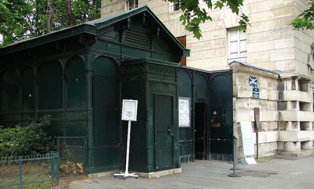The entrance to the Paris catacombs.