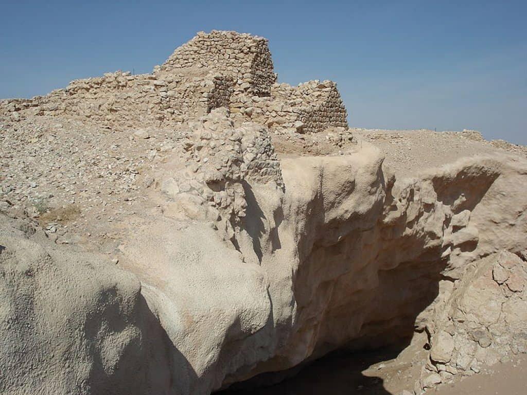 Excavations at Ubar. Atlantis of the sands.