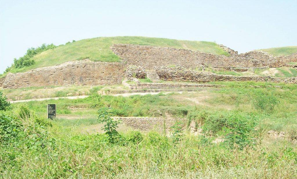 Harappan excavation site at Dholavira, one of two largest Harappan sites in India, 2007. Wikimedia Commons, Himalyan.