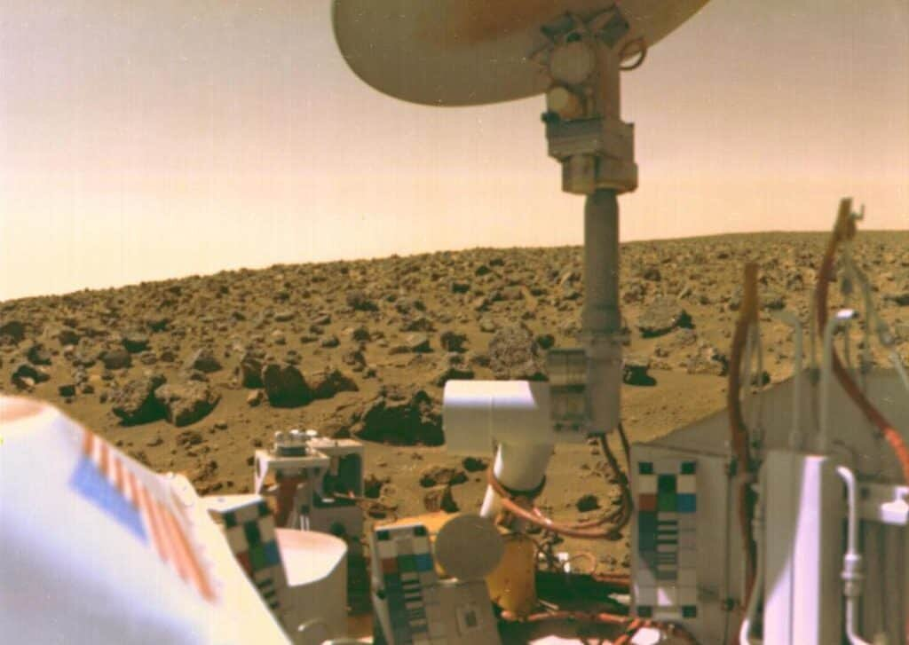 Mars probe, Viking 2 Selfie on Mars. Sept. 3, 1976, NASA.