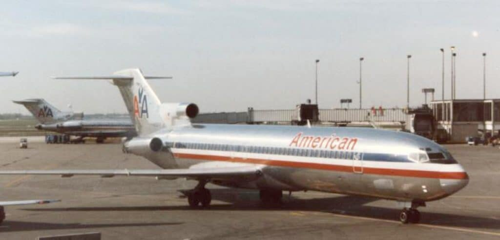 Here is the 727-223 aircraft (N844AA) when it was part of American Airlines. The image was taken at Chicago O'Hare International Airport on 21 May 1989. Image Credit: RuthAS