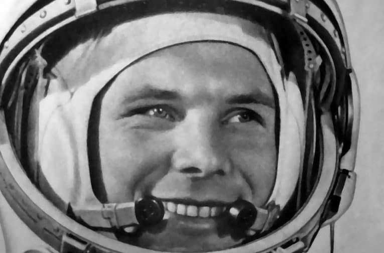 how was responsible for yuri gagarin in space flight - photo #8