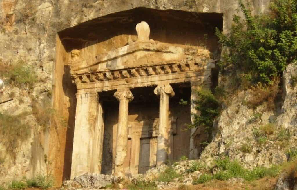 kaunos rock cut tombs