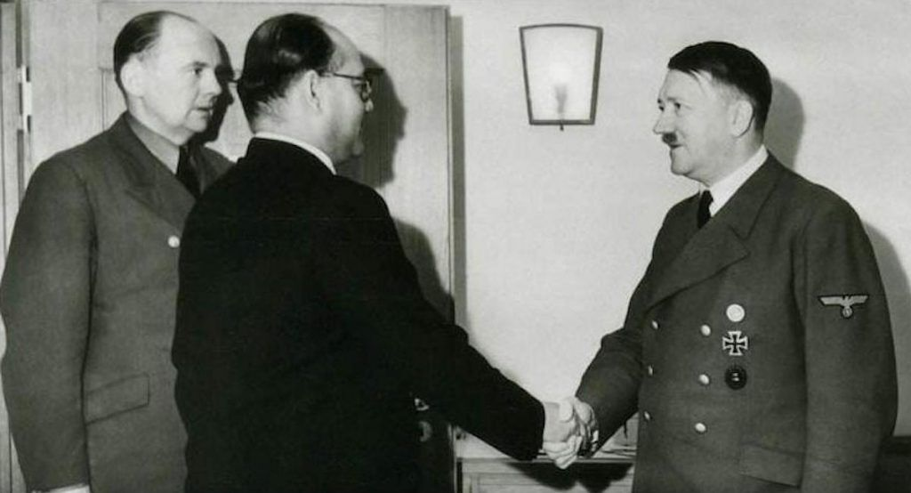 Subhas Chandra Bose meeting with Adolf Hitler in 1941 or 1942. Public domain.