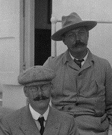 Robinson (L) and Doyle (R). 1900.