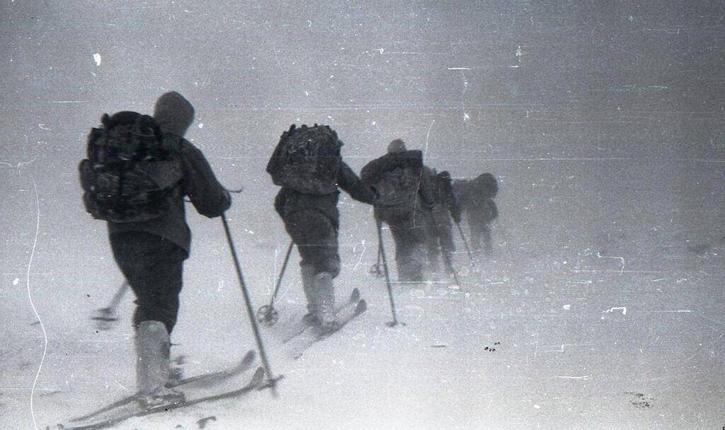 The group faces bad weather conditions heading toward Kholat Syakhl, Feb. 1.