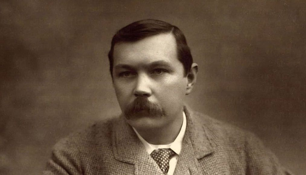 Sir Arthur Conan Doyle accused of murder 100 years later.