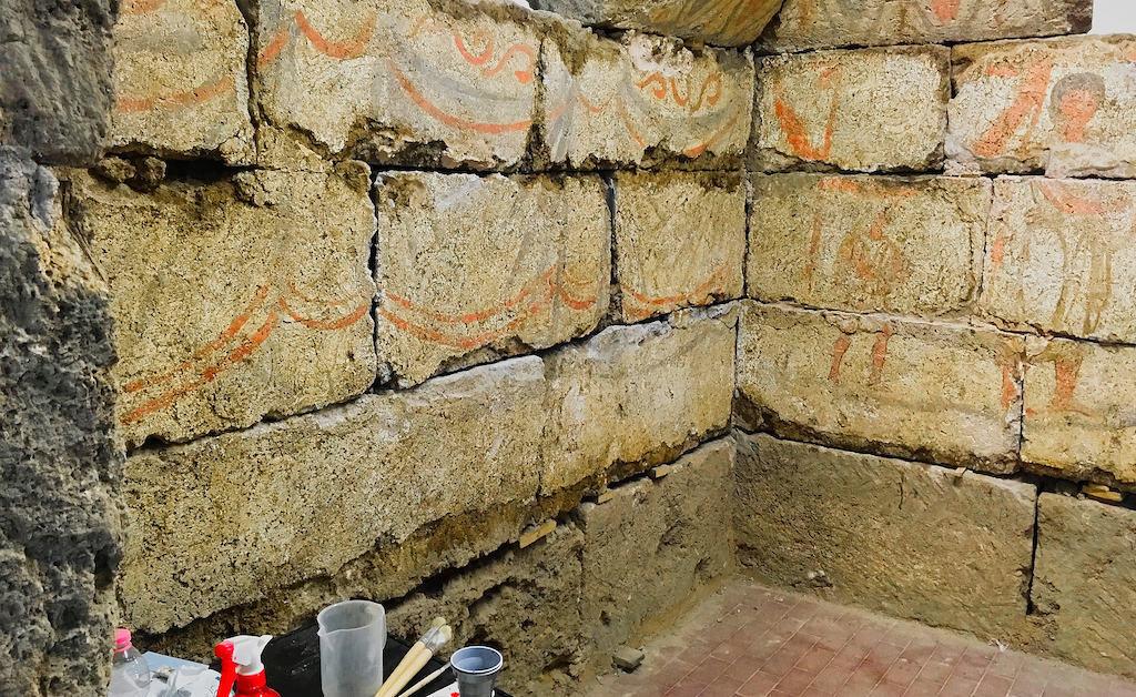 Tomb 9890 is still under restoration.