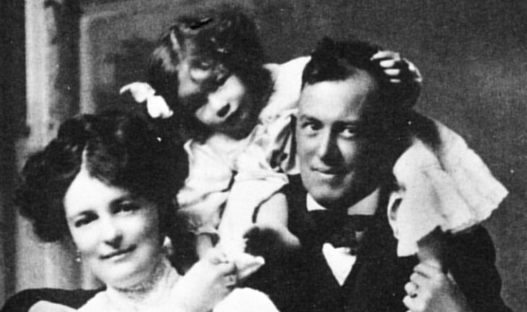 Crowley avec son ex-femme Rose et sa fille.