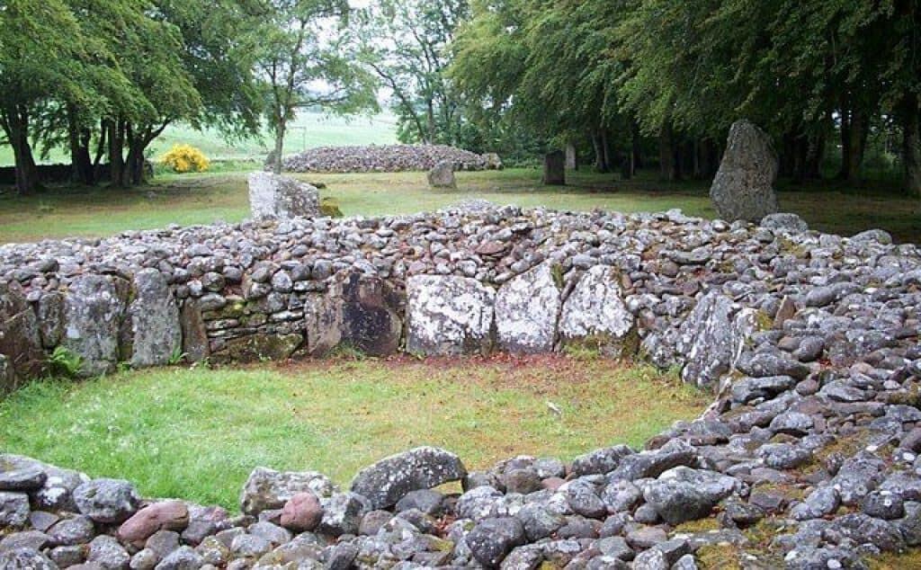 clava cairns scotland.