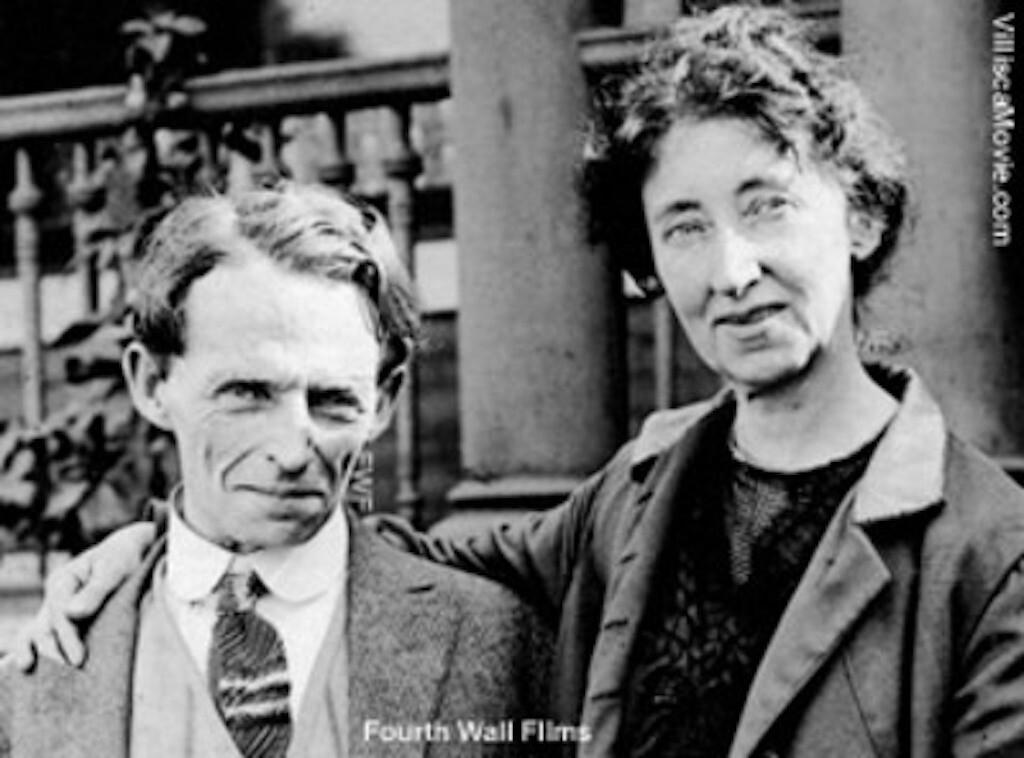 Lyn George Jacklin Kelly (L) and Laura Kelly (R).