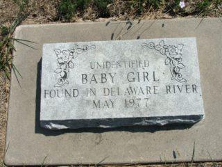 Headstone of Baby Girl. Credit: Findagrave, Raymond Riley