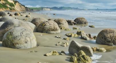 The Incredible Moeraki Boulders of New Zealand